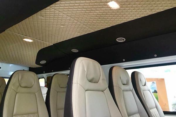 Hình ảnh ghế ngồi xe ô tô 16 chỗ Ford Transit.