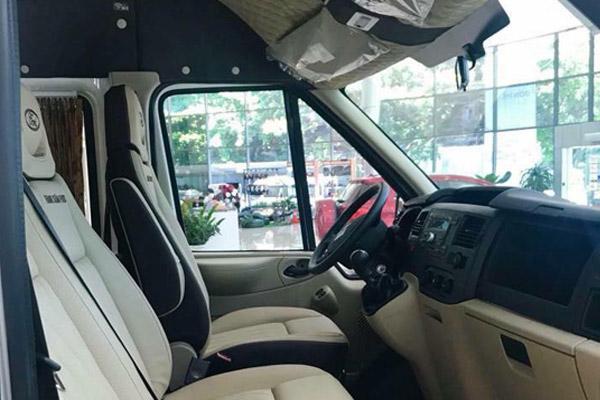 Hình ảnh xe khoang lái ô tô 16 chỗ Ford Transit