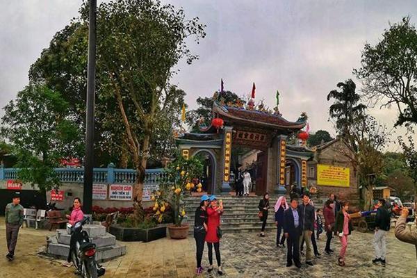 Đền thờ Ông Hoàng Bảy