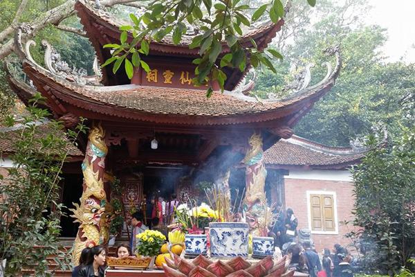 Đền Cô Bé Cửa Suốt - Quảng Ninh