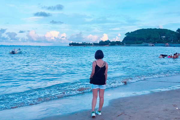 Bãi biển Đồ Sơn - Hải Phòng.