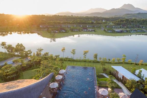 Khung cảnh khu nghỉ dưỡng Flamingo Đại Lải Resort