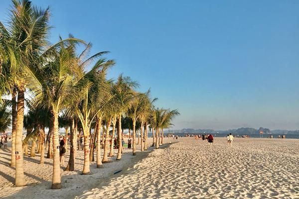 Biển Bãi Cháy - Quảng Ninh