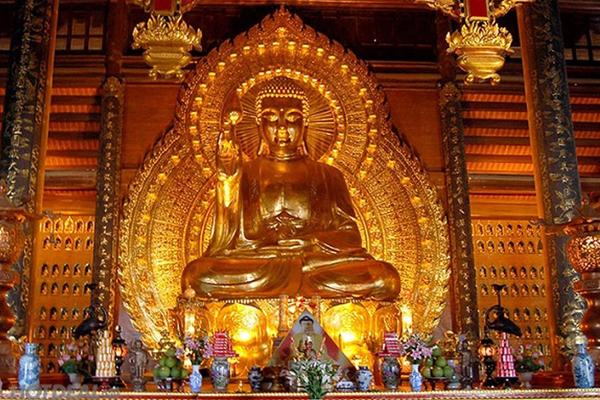 Pho tượng Phật đúc đồng lớn nhất châu Á tại chùa Bái Đính