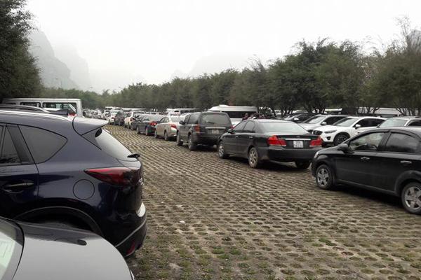 Công ty chuyên cho thuê xe đi Tràng An - Ninh Bình giá rẻ tại Hà Nội
