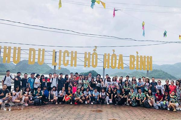 Ảnh kỷ niệm tại Thung Nai, Hòa Bình