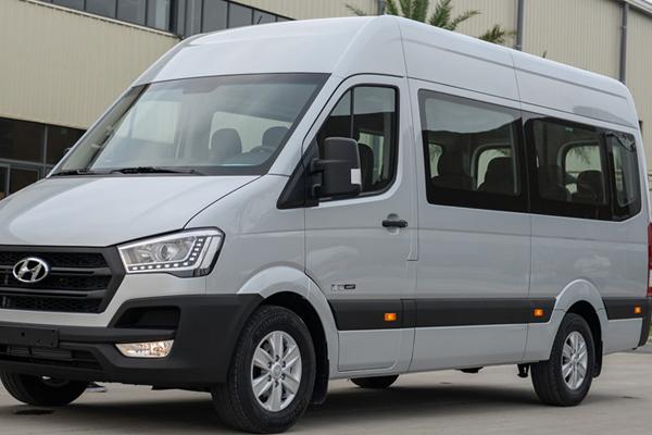 Mãu xe Hyundai Solati do Hyundai Thành Công phân phối
