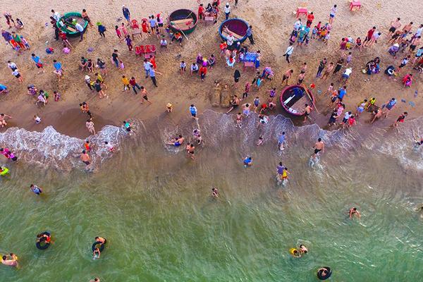 Biển cửa Lò - điểm đếntuyệt vời trong kỳ nghỉ hècùng gia đình và người thân.