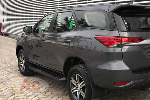 Xe Fortuner 7 chỗ 2018