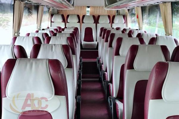 Ghế ngồi và nội thất bên trong xe
