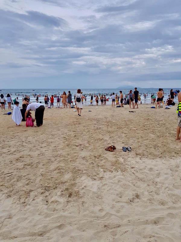 Bãi tắm và biển Vân Đồn