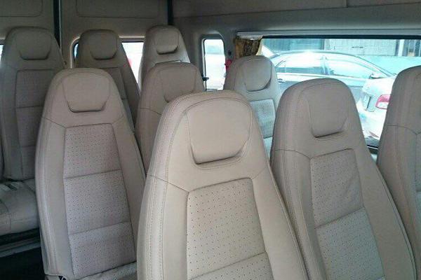 Nội thất ghế ngồi bên trong xe 16 chỗ