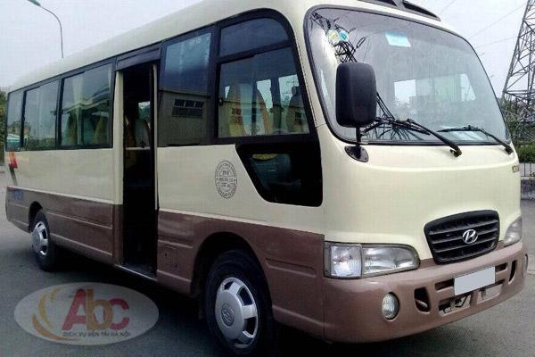Xe 29 chỗ Huyndai County đưa đón sân bay Nội Bài