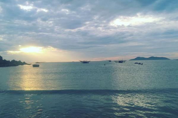 Khung cảnh biển Của Lò