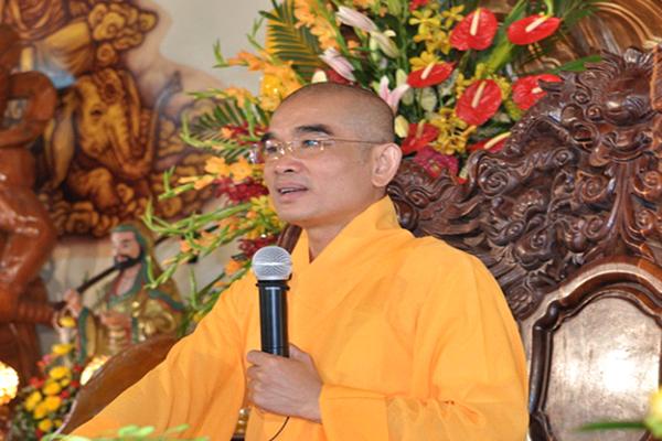 Thầy Thượng Tọa Thích Tuệ Hải trụ trì Chùa Long Hương